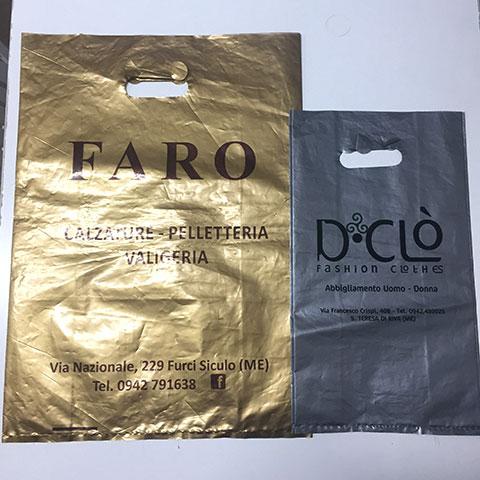 Shopper in Plastica Manico a Fagiolo Fondo Argento e Oro