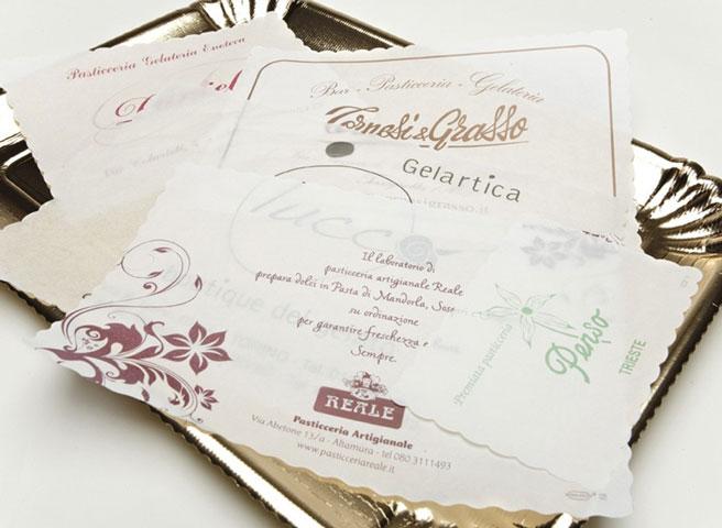 Copri Vassoi Bordo Smerlato in Carta Vegetale Personalizzati Colore Bianco